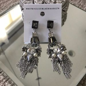 ❤️Whit House Black Market Sexy Earrings❤️